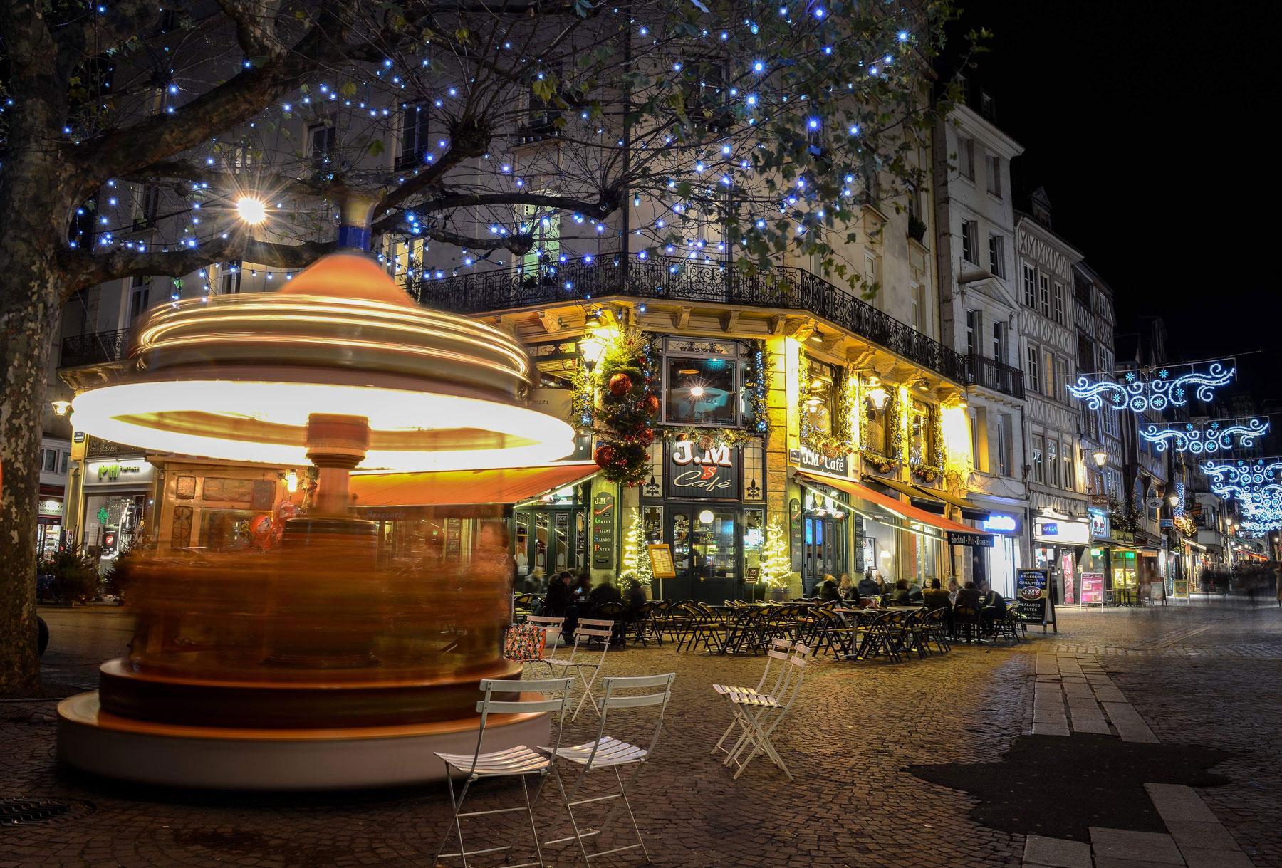 Mini Carrousel place du vieux marché à Rouen